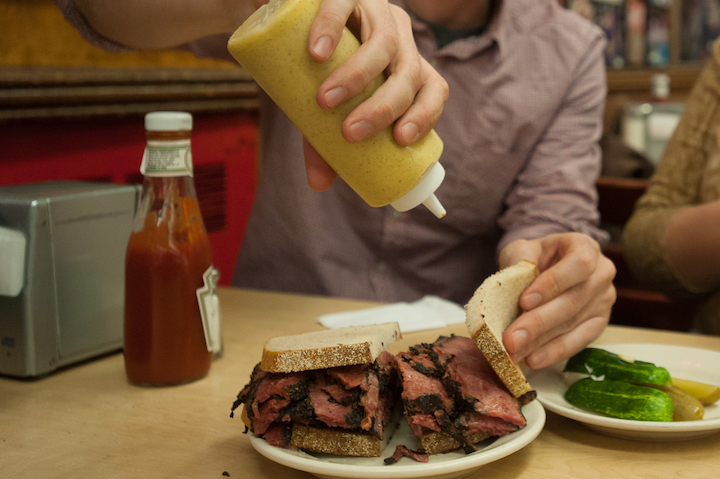 ©-NYC-Company-Katz's Delicatessen, Lower East Side, Manhattan