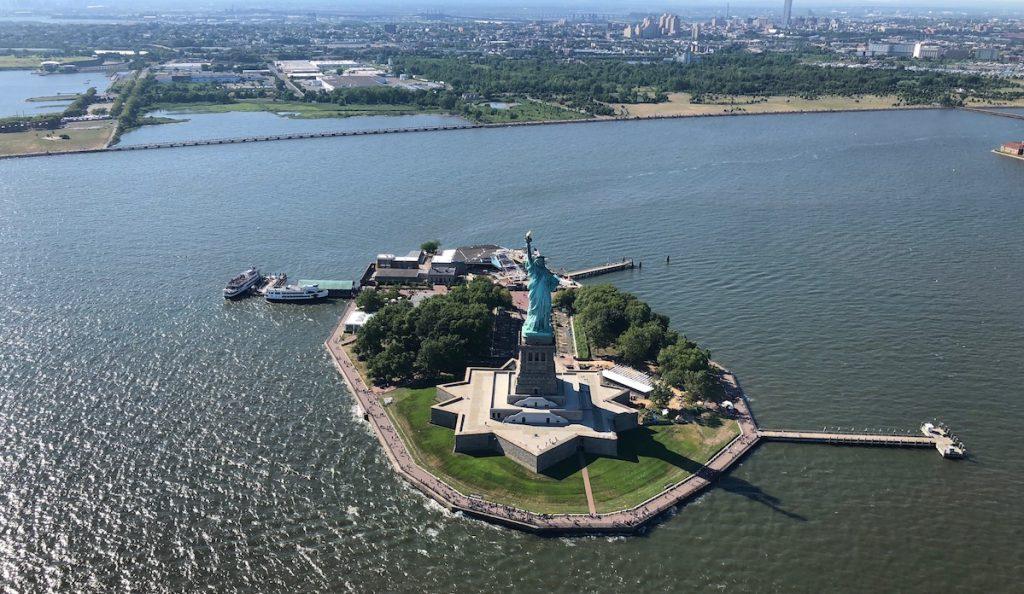 Hélicoptère New York Statue de la liberté