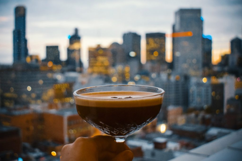 cocktail-rooftop-night-nyc